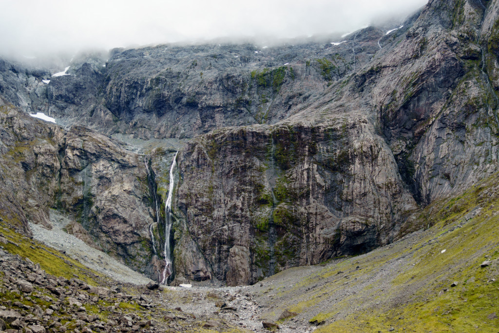Steep_Waterfall_Milford_Highway