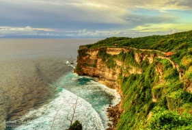 Cliffs and Waves at Uluwatu