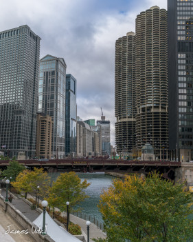 The Chicago River Walk