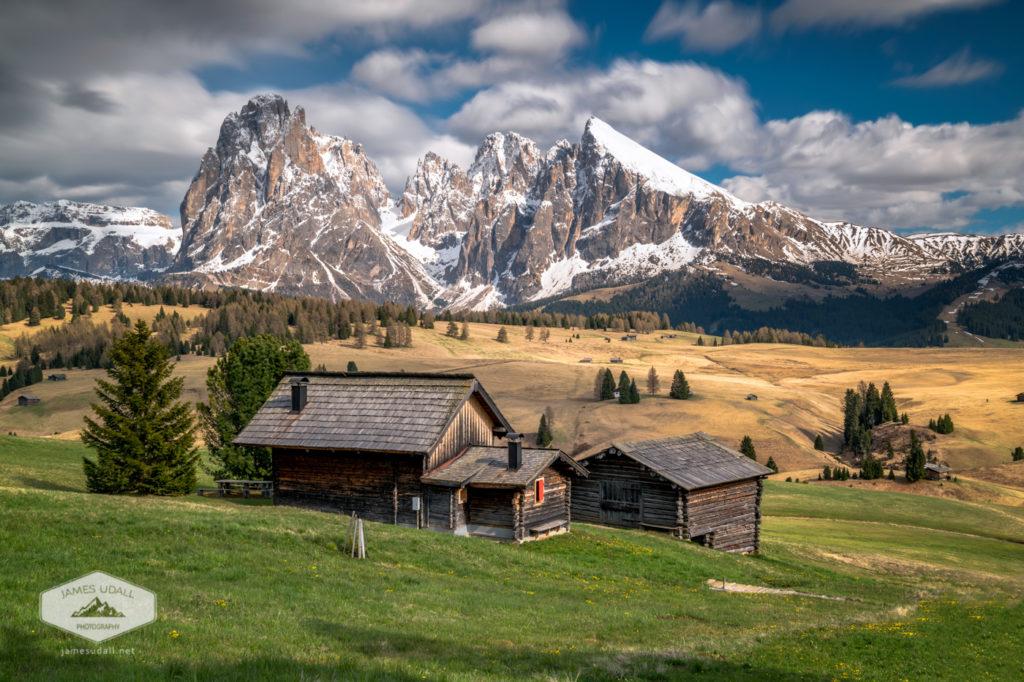 Alpe Di Suisi Cabin