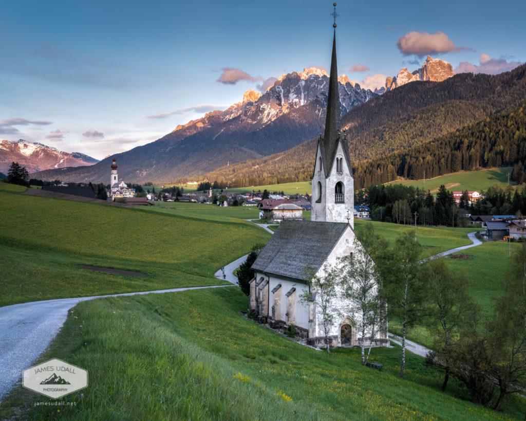 Churches in Niederdorf/Villabassa