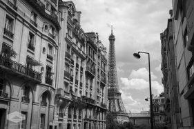 Neighborhood near the Eiffel Tower