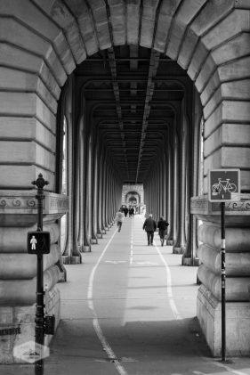 Walkway at Pont de Bir-Hakeim